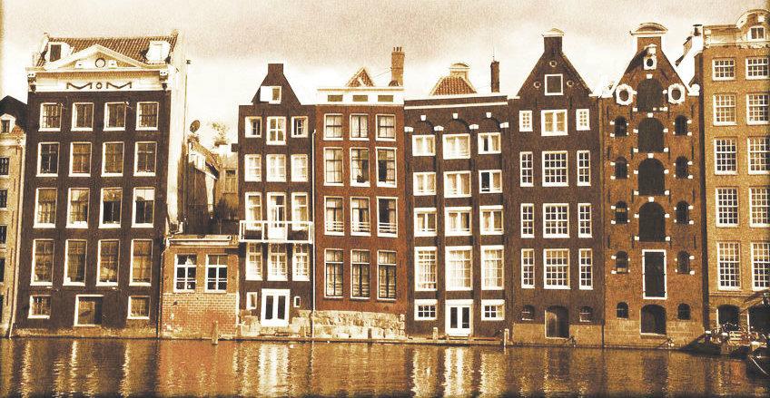 canaux-amsterdam (© 123RF)