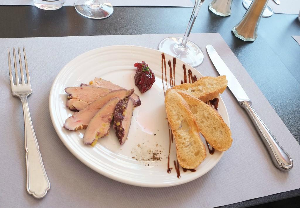 Table-&-Vin-Plat-Foie-gras (© DR)