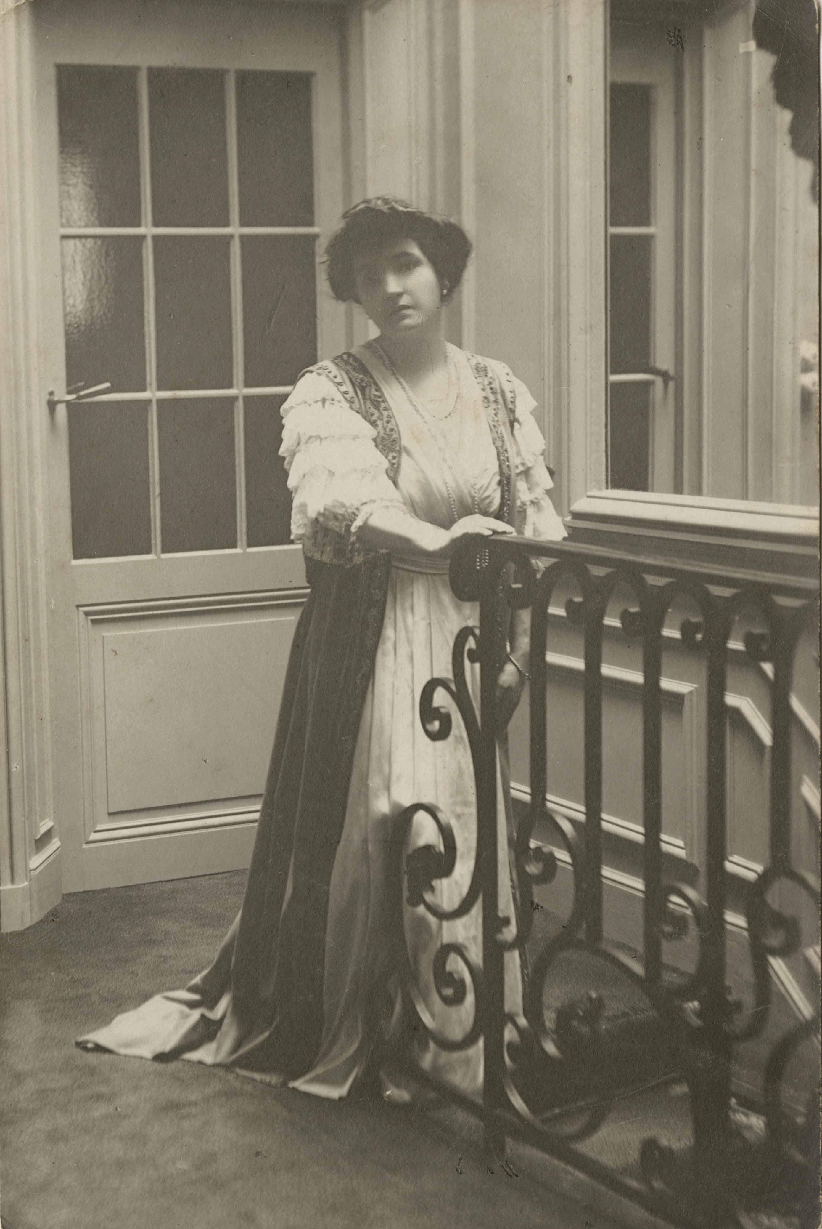 Mme-Poincaré-(photographie,-collection-particulière)