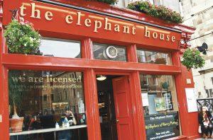 EDIMBOURG-ELEPHANT-CAFE-(©123RF)