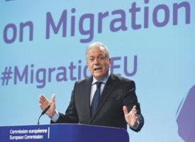 Migrants un manuel pour aider les autorités