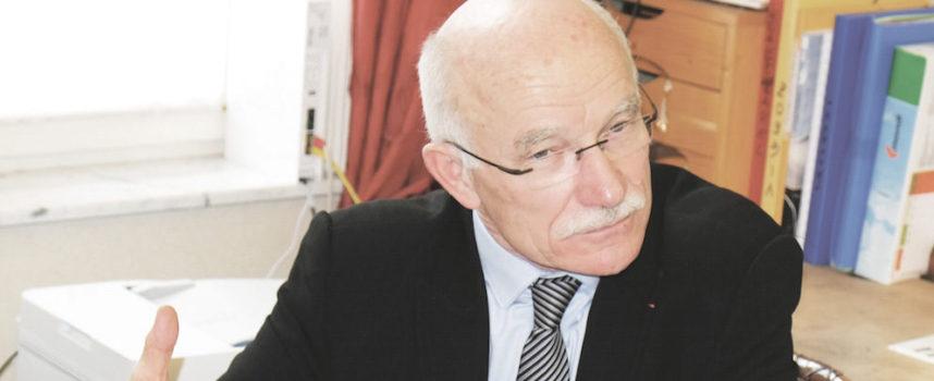 « Insulté » Dominique Gros monte au front