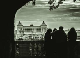 CRISE À L'ITALIENNE
