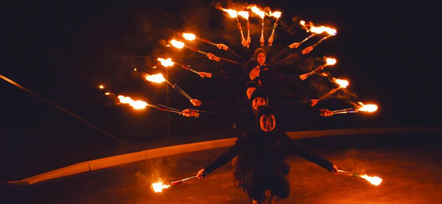 Les Enflammées – troupe de jeunes circassiennes : Ardente amitié