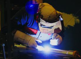 Manoir Industries forme et recrute