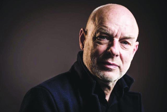Le compositeur britannique Brian Eno sera de passage à Matera le 18 juillet, pour l'avant-première de son nouveau spectacle Apollo Soundtrack, célébrant le 50e anniversaire des premiers pas de l'Homme sur la lune.